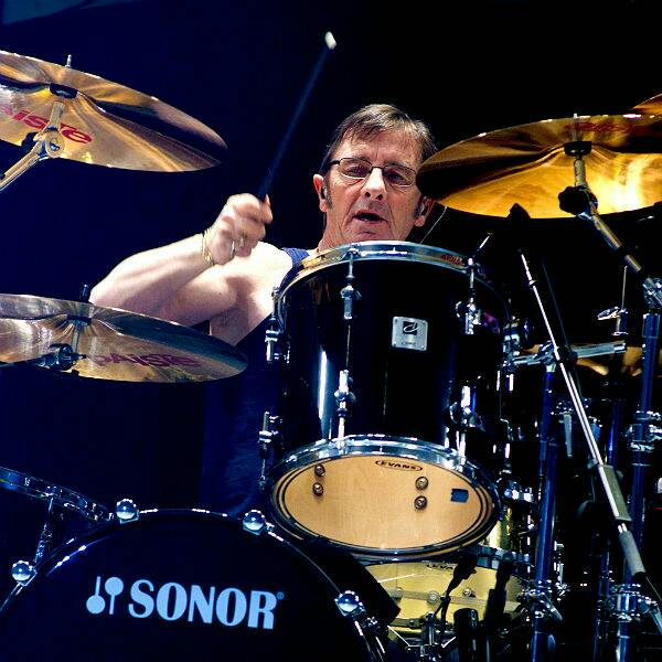 Happy 63rd birthday to Phil Rudd!