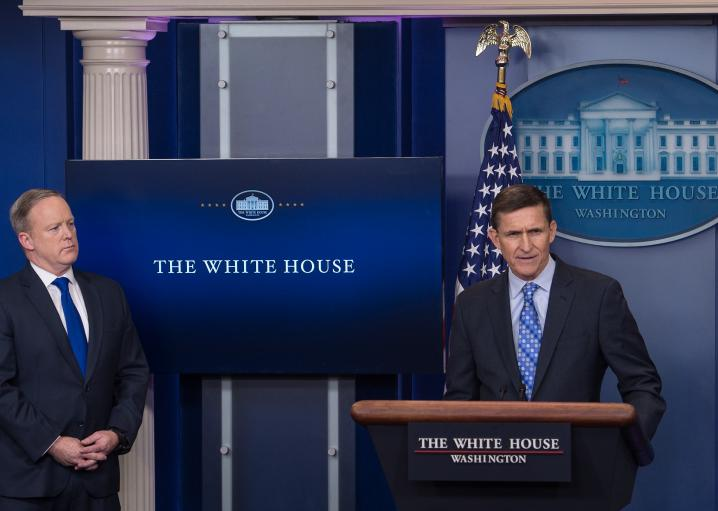 White House knew Flynn was under investigation, made him national security adviser anyway: https://t.co/aewNlpjA6C https://t.co/8dyI4xtRKc
