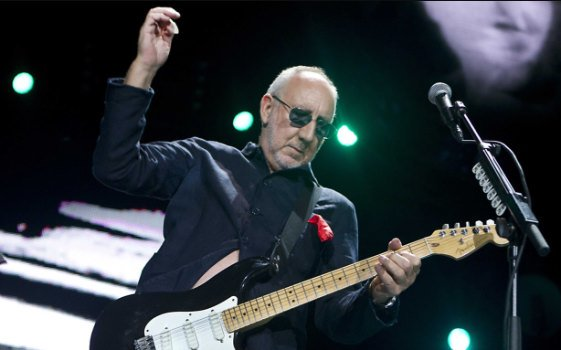 Happy Birthday, 72 today , to Pete Townshend of The Who