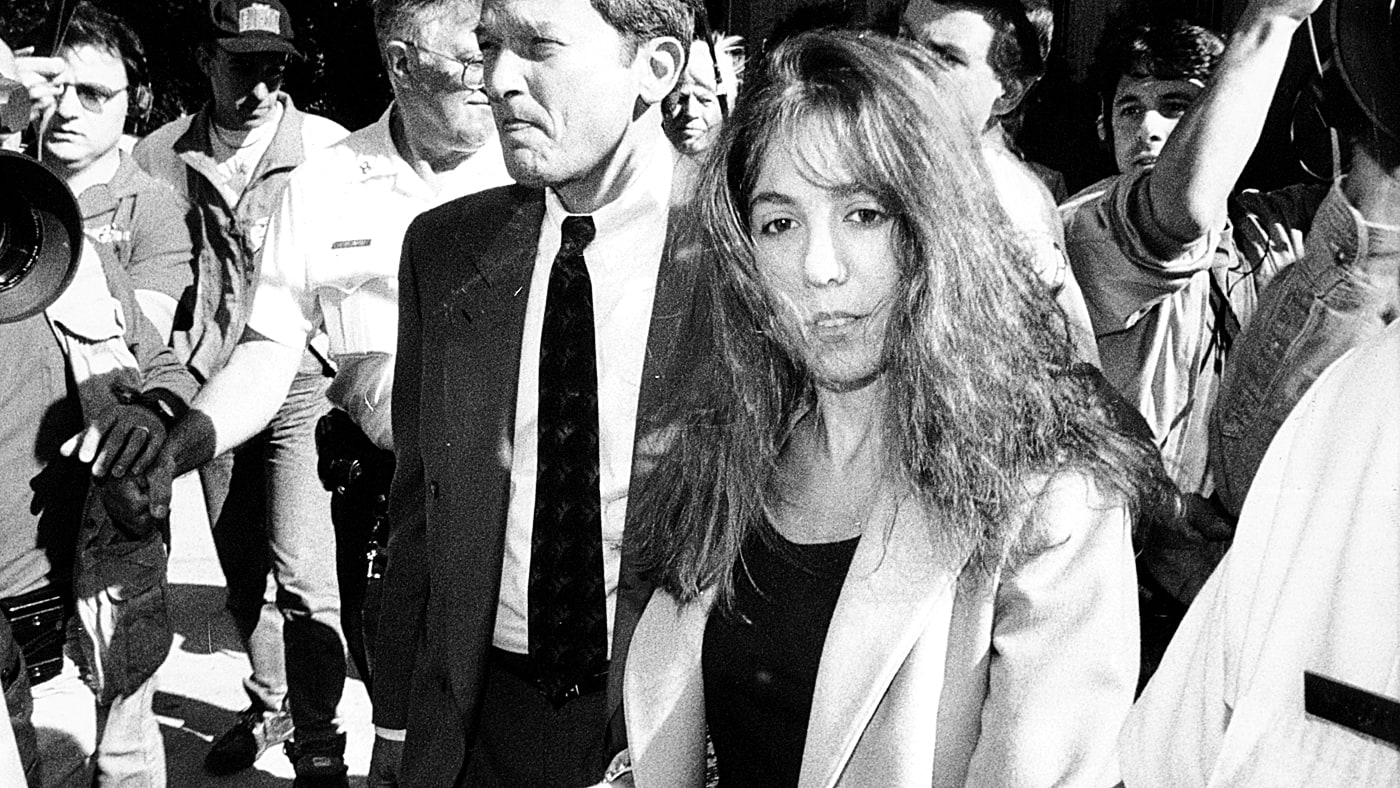 25 years ago today, Amy Fisher became known as 'Long Island Lolita.' Here's the story https://t.co/1VN5crTalQ https://t.co/BD7UuH446p
