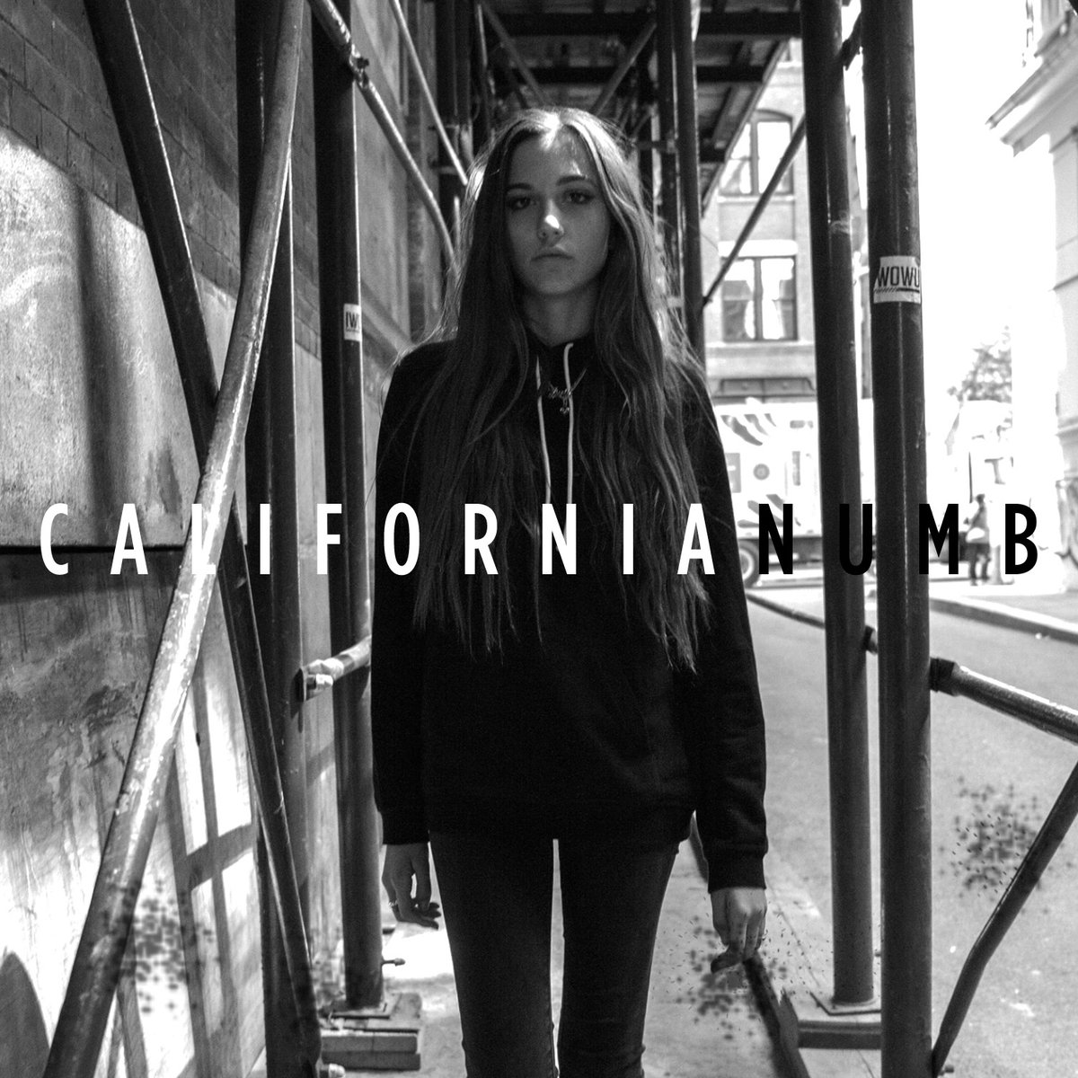 .@Clovesdot releases the all new track #CaliforniaNumb https://t.co/sFzpQd5lx8 https://t.co/96OUV2KiSb