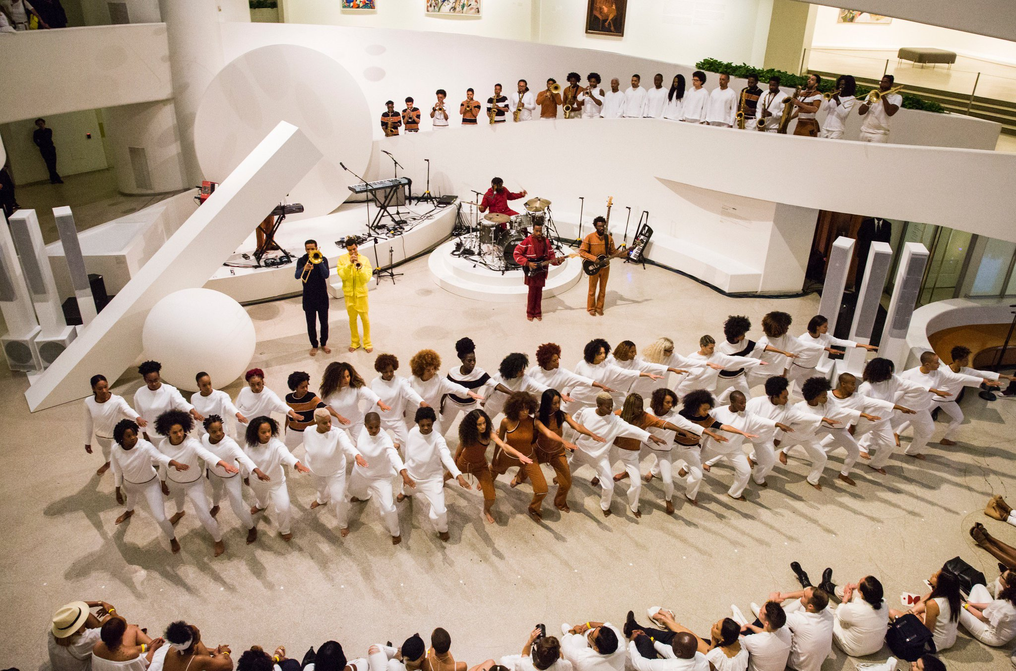 Here's what Solange's performance at the @Guggenheim looked like. https://t.co/SHlQCC3cm6 https://t.co/FXVSyOpXxb