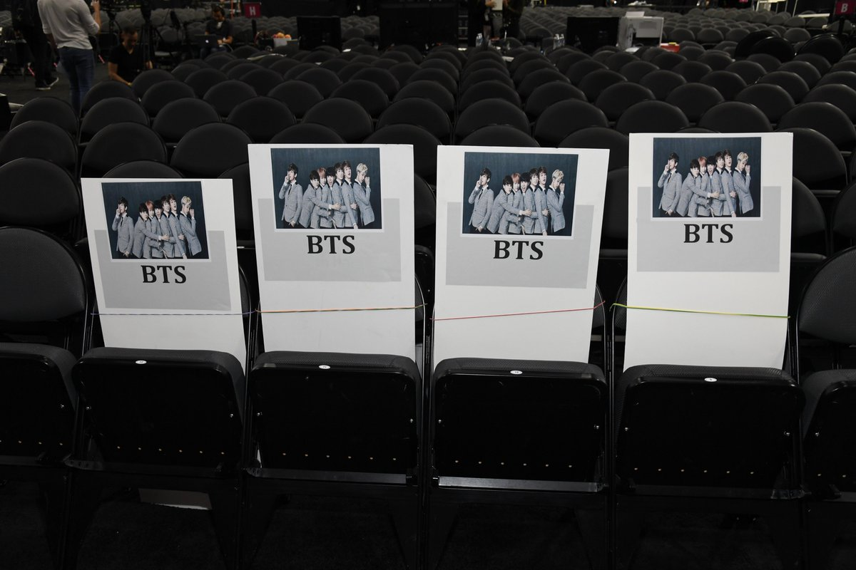 GUYS, IT'S ALL HAPPENING. @BTS_twt is sitting here at the #BBMAs‼‼