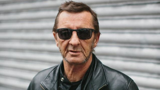 Happy birthday to drummer Phil Rudd!