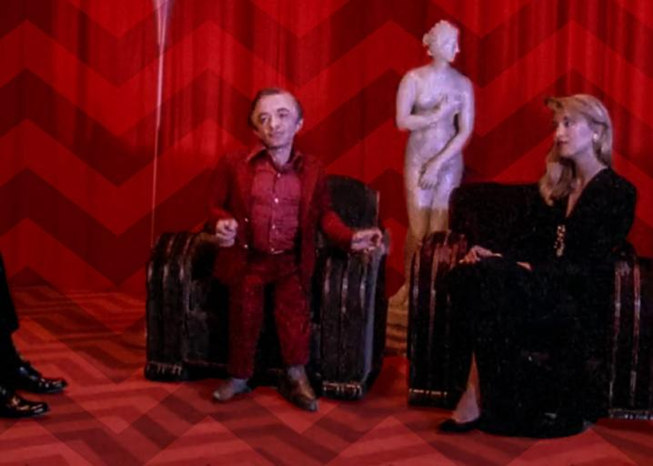 Twin Peaks was the most visually striking TV show ever made—and still is: https://t.co/kzQsV4gt6z https://t.co/ZP1HYnYAxh