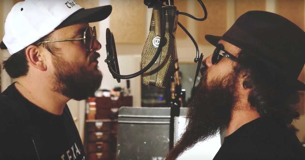 See Cody Jinks and Paul Cauthen reinvent Soundgarden's 'Black Hole Sun' https://t.co/qg167V1vrh https://t.co/nuFNGPagIv