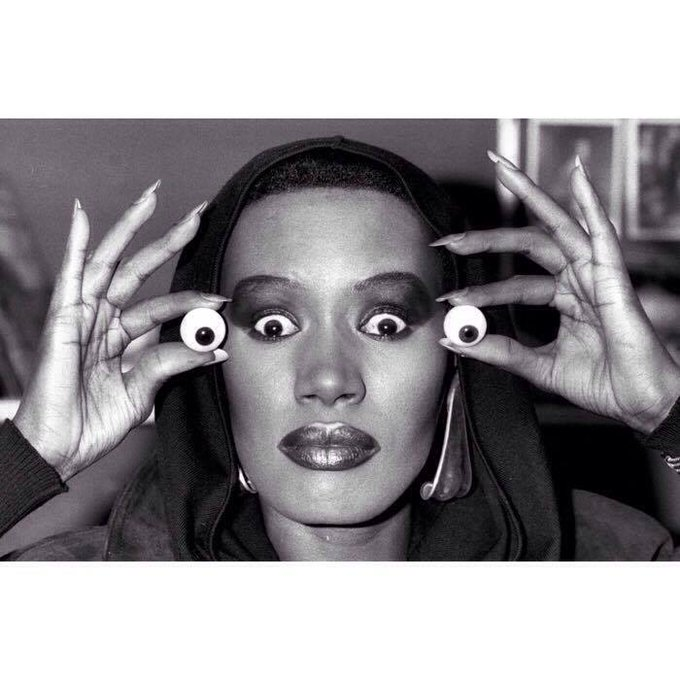 A true example of what it means to be free: ¡Happy birthday Grace Jones!.
