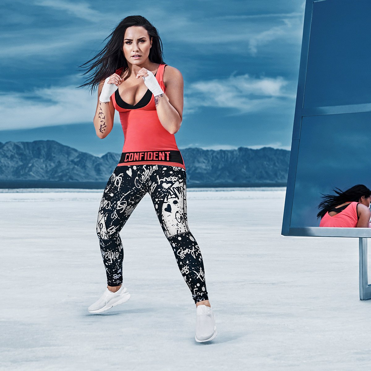 We can match in our confident tanks if you grab one from the #Demi4Fabletics collection �� https://t.co/GKN6sj78W6 https://t.co/i6jMtkIvyp
