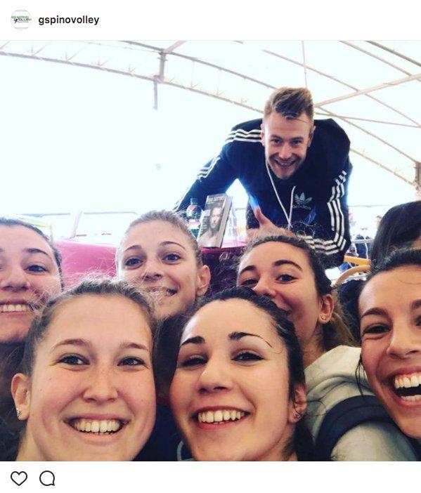 test Twitter Media - Un fan molto speciale per le nostre ragazze della prima squadra... #beachvolleymarathon #sportivisicresce https://t.co/6ythzatL0K
