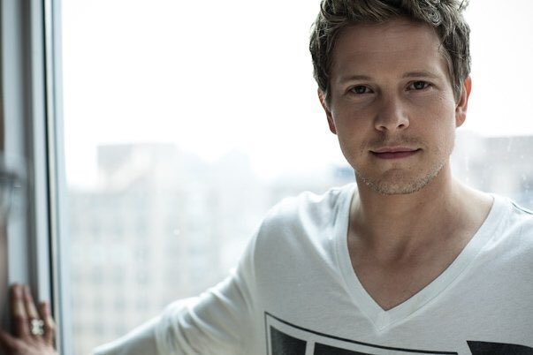 Happy birthday to a beautiful ray of sunshine, Matt Czuchry. Still don\t believe he\s 40, receipts pls!