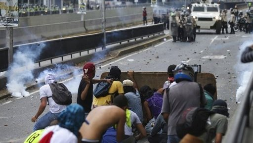 Venezuelans shut down capital roads to protest government
