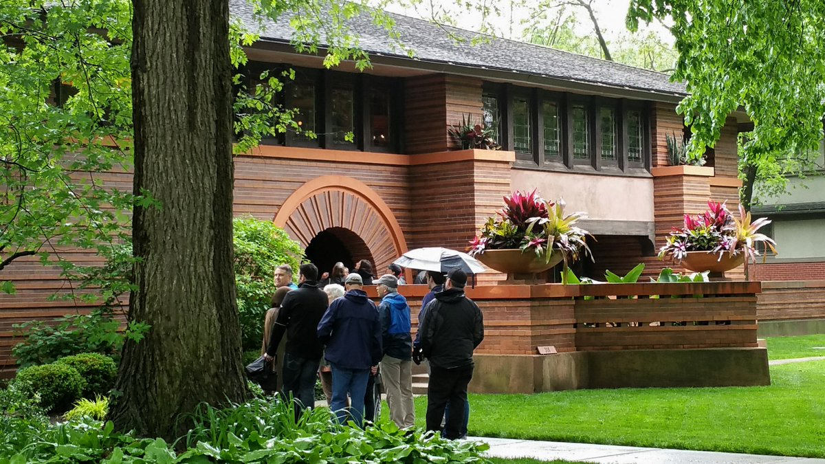 test Twitter Media - Yesterday's rain didn't stop visitors attending @FLWTrust housewalk in Oak Park, IL. Missed it? The annual event is the 3rd Saturday in May. https://t.co/lHDCXEbBld