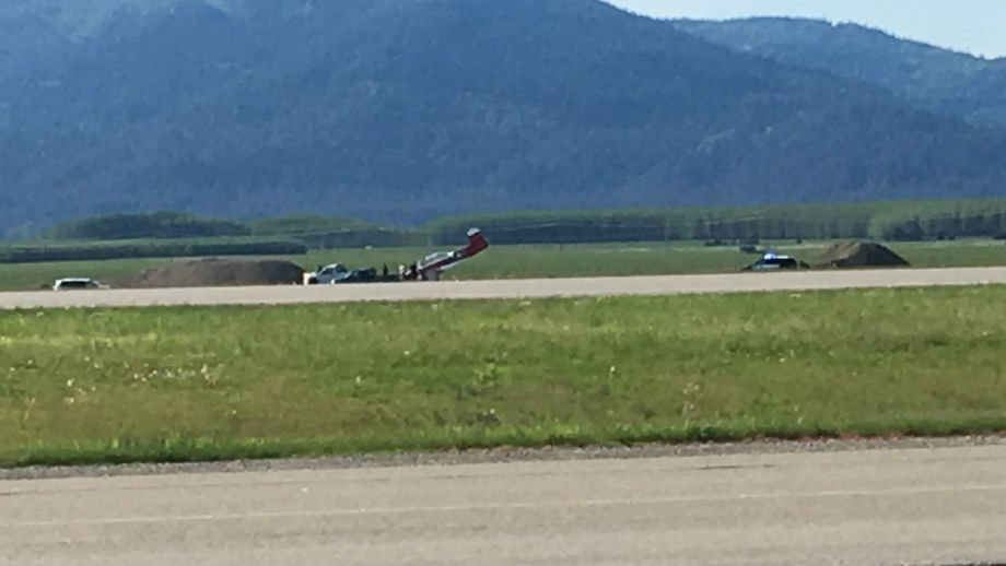 Small plane crash lands at Coeur d'Alene Airport; no injuries