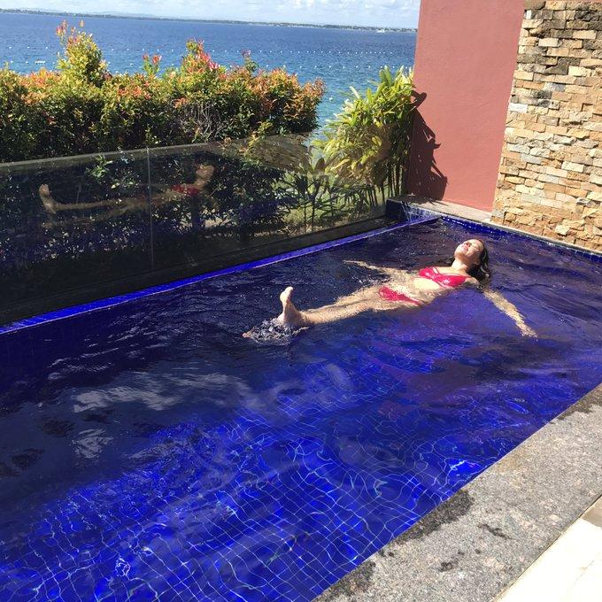 Feeling like a boss bitch in my very large plunge pool. #cebu @agentprovocateur #bikini 👙 https://t.