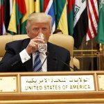 Trump urges Muslim leaders to confront extremism