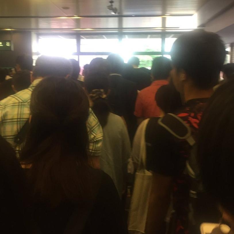 test ツイッターメディア - 湘南新宿ライン 赤羽駅の人身事故で構内が大混雑「埼京線に乗るなんて自ら命を捨てるようなもん」5/22 https://t.co/tikw4xHlpv https://t.co/iDqF0Pmq1V