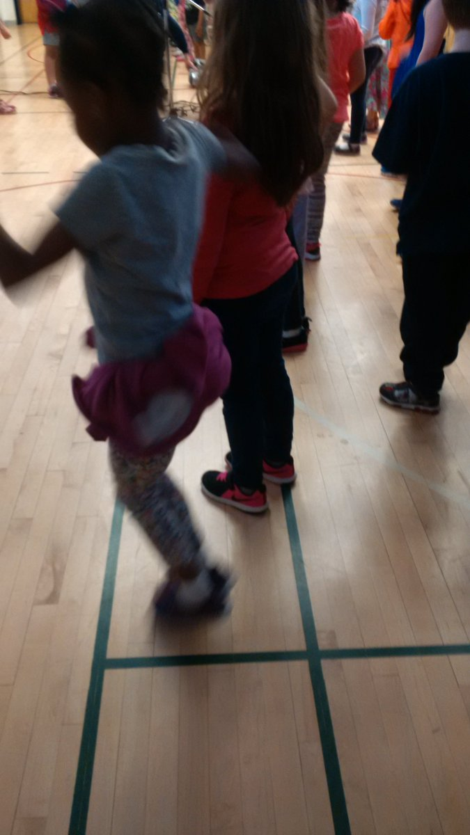 test Twitter Media - Everyone altogether #chachaslide #folkdancing #tdsb https://t.co/RUkLbjSMy3