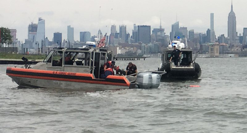 US Navy skydiver killed in parachuting accident at New York Fleet Week festival