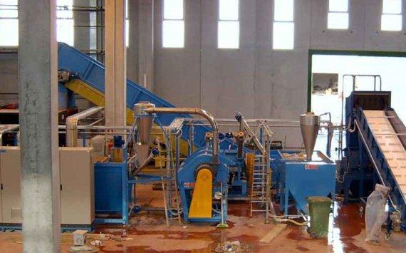 заводы по приему вторичных гранул полимеров входят