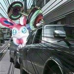 拡張パック「闘う虹を見たか」から、ムキムキダンベルを紹介! 1進化ポケモンを強化。例えばニンフィアGXも黒塗りの高級車に