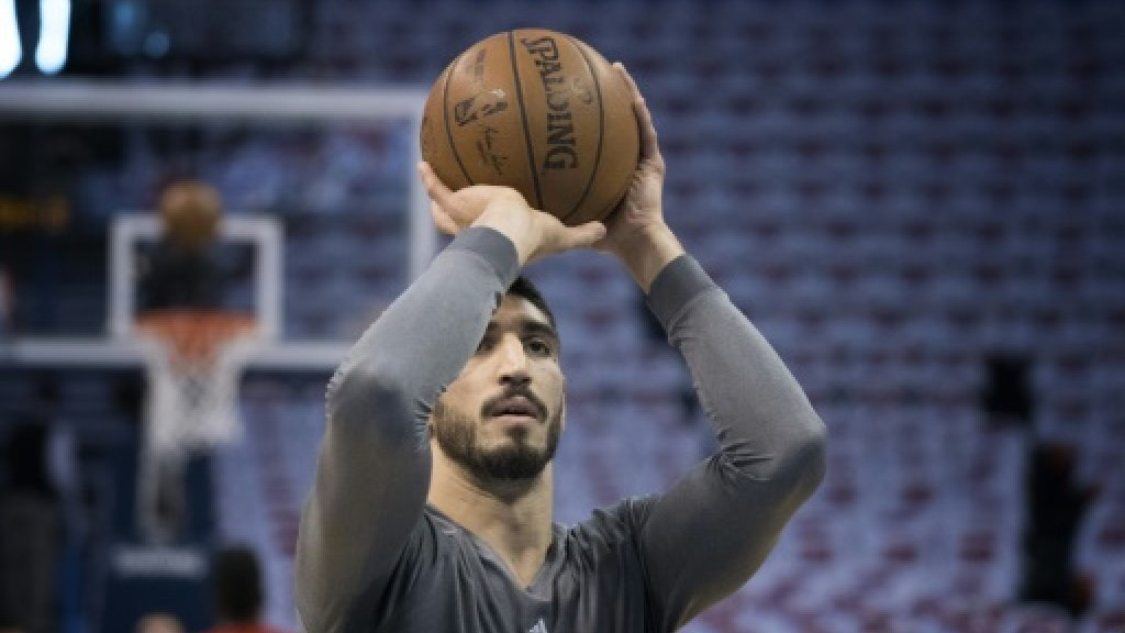 Oklahoma City Thunder's Kanter back in USA after passport issue