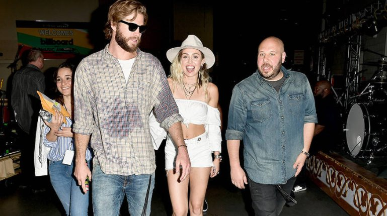 Of course Liam Hemsworth was backstage to support Miley Cyrus at the Billboard Music Awards: