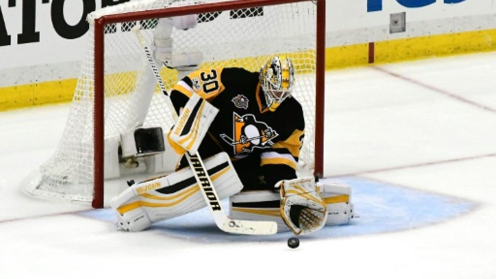 Defending NHL champion Penguins move one win from finals