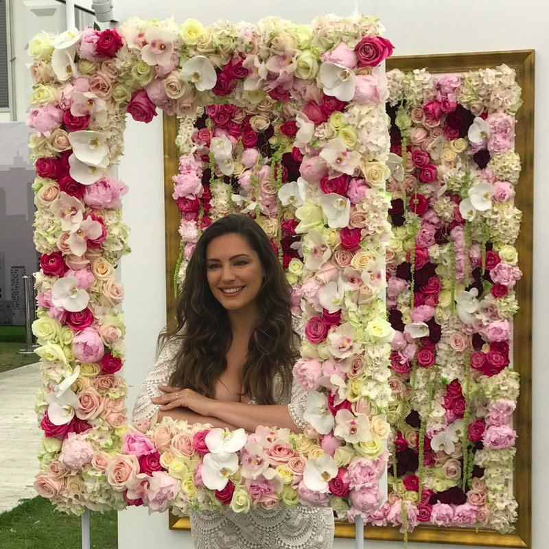 RT @InterfloraUK: How beautiful does @IAMKELLYBROOK look at #RHSChelsea today? We hope you enjoy the show, Kelly! https://t.co/skPa2LLVTm