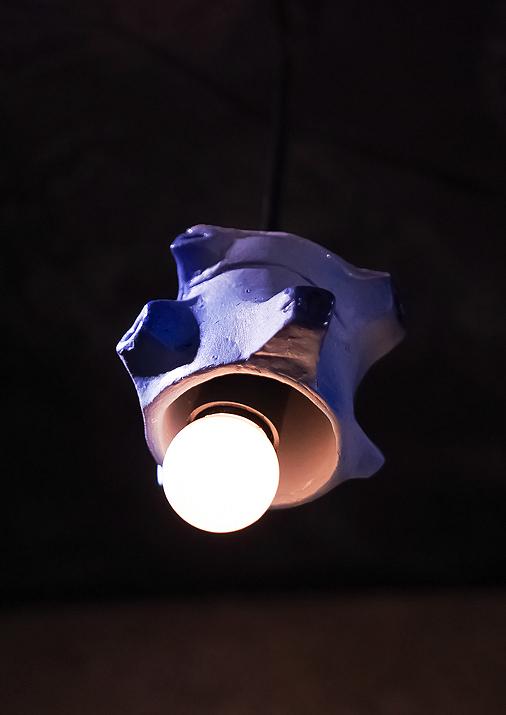 新橋怪獣酒場  天井の怪獣モチーフミニランプがすごいおしゃれ可愛い…!欲しい…。ブルトン→キングジョー→シーボーズ→エレ