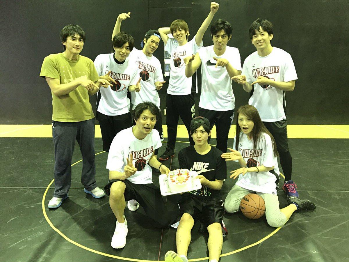 黒子のバスケ稽古!稽古場では小金井役のかいせいと木吉役のりゅうさんの誕生日をお祝い!おめでとうございますー!!