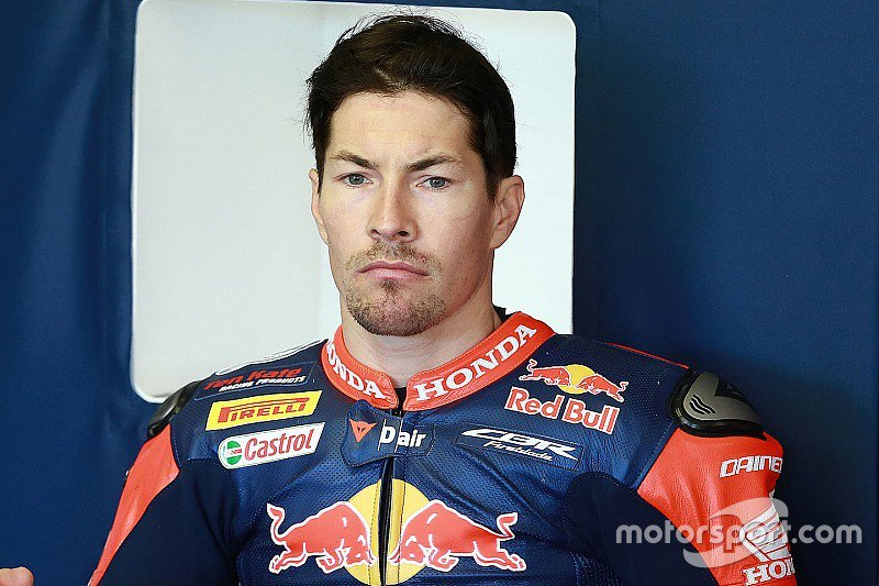 test Twitter Media - Former #MotoGP champion Nicky Hayden has died following his cycling accident last week:  https://t.co/TA6z7viW6S https://t.co/ISdKVx3ZT3