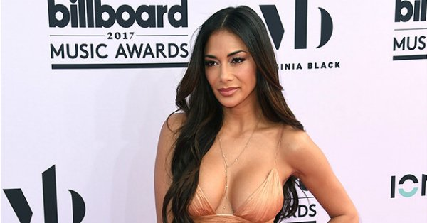 Nicole Scherzinger cleared up those Wicked rumors at the 2017 Billboard Music Awards: