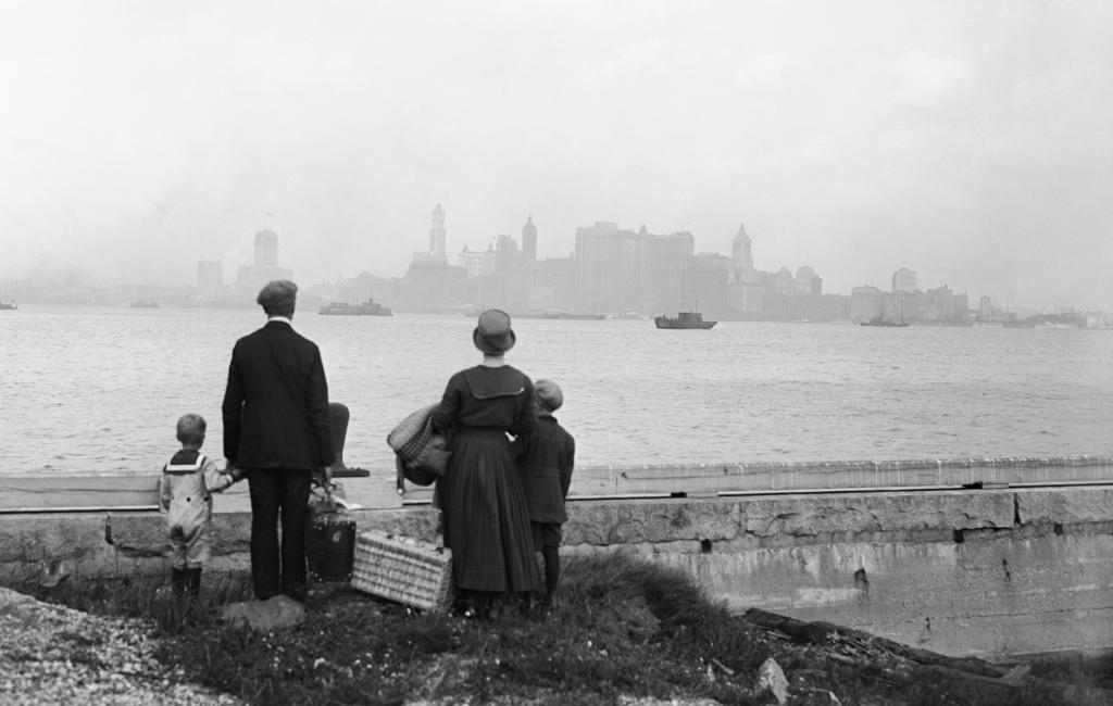 9 things you may not know about Ellis Island. https://t.co/AXELtbNlZb https://t.co/luq185LIUA