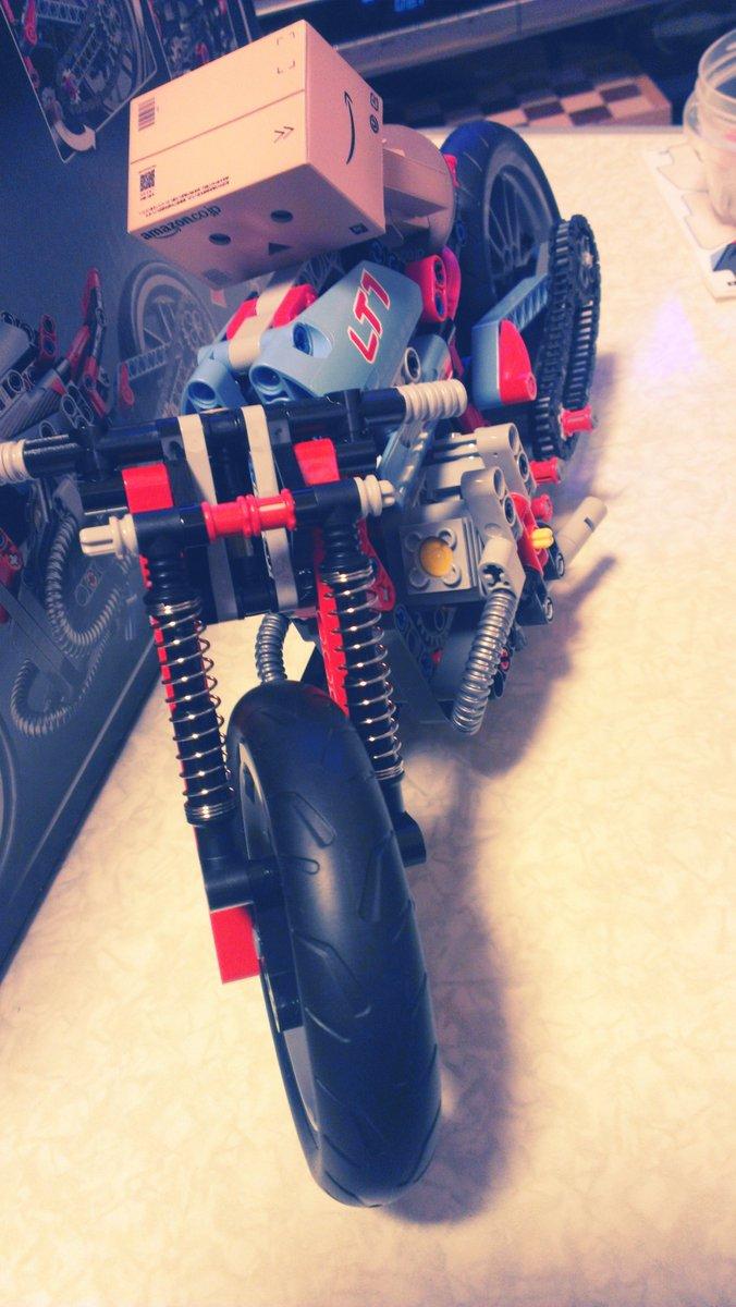 test ツイッターメディア - なんと、レゴランドの子ども料金でこのバイクが買える……!(レゴテクニック ストリートバイク) https://t.co/hmZirYHpPl
