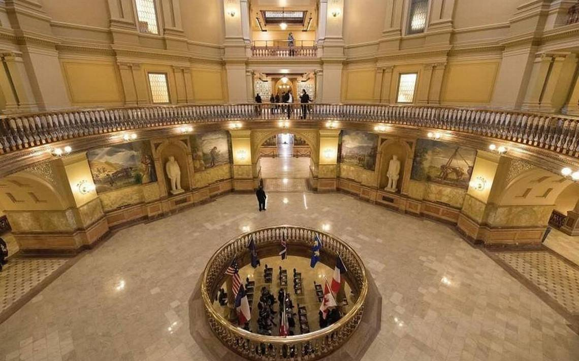 Kansas House votes down latest plan for rollback of Brownback's tax cuts