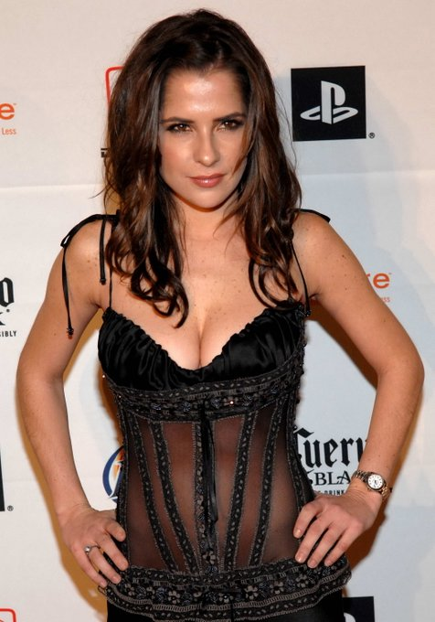 Happy Birthday to Kelly Monaco who turns 41 today!
