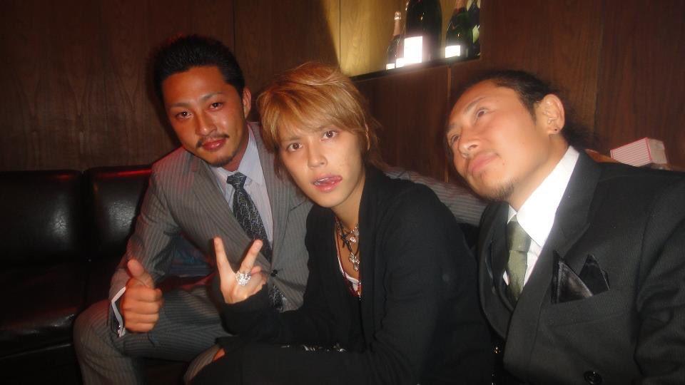 福岡の7億5000万円相当の金塊強奪事件で逮捕された小松崎太郎が一緒に豪遊していたのは、ジャニーズ事務所の手越祐也www金塊強奪事件の犯人たちは、過去に逮捕歴も