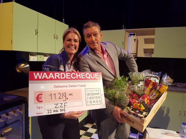 Zeldzaam hilarische avond brengt €11.219,- op voor het ZZF https://t.co/MijOaG7wBc https://t.co/84Y36vNzme