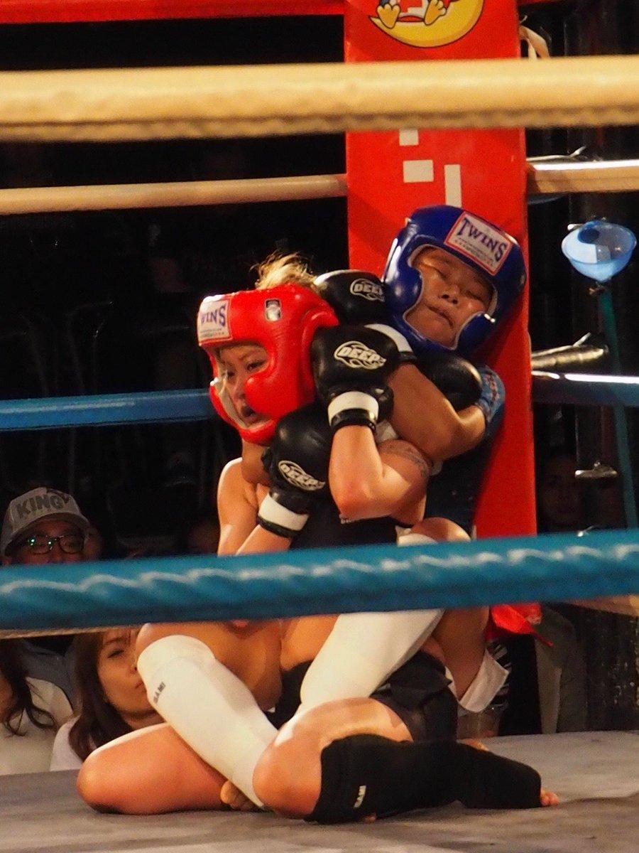JEWELS,モモ選手×山崎桃子選手も衝撃でした。若干12歳のモモ選手今後どうなって行くのか…早い段階でバック取られ良い