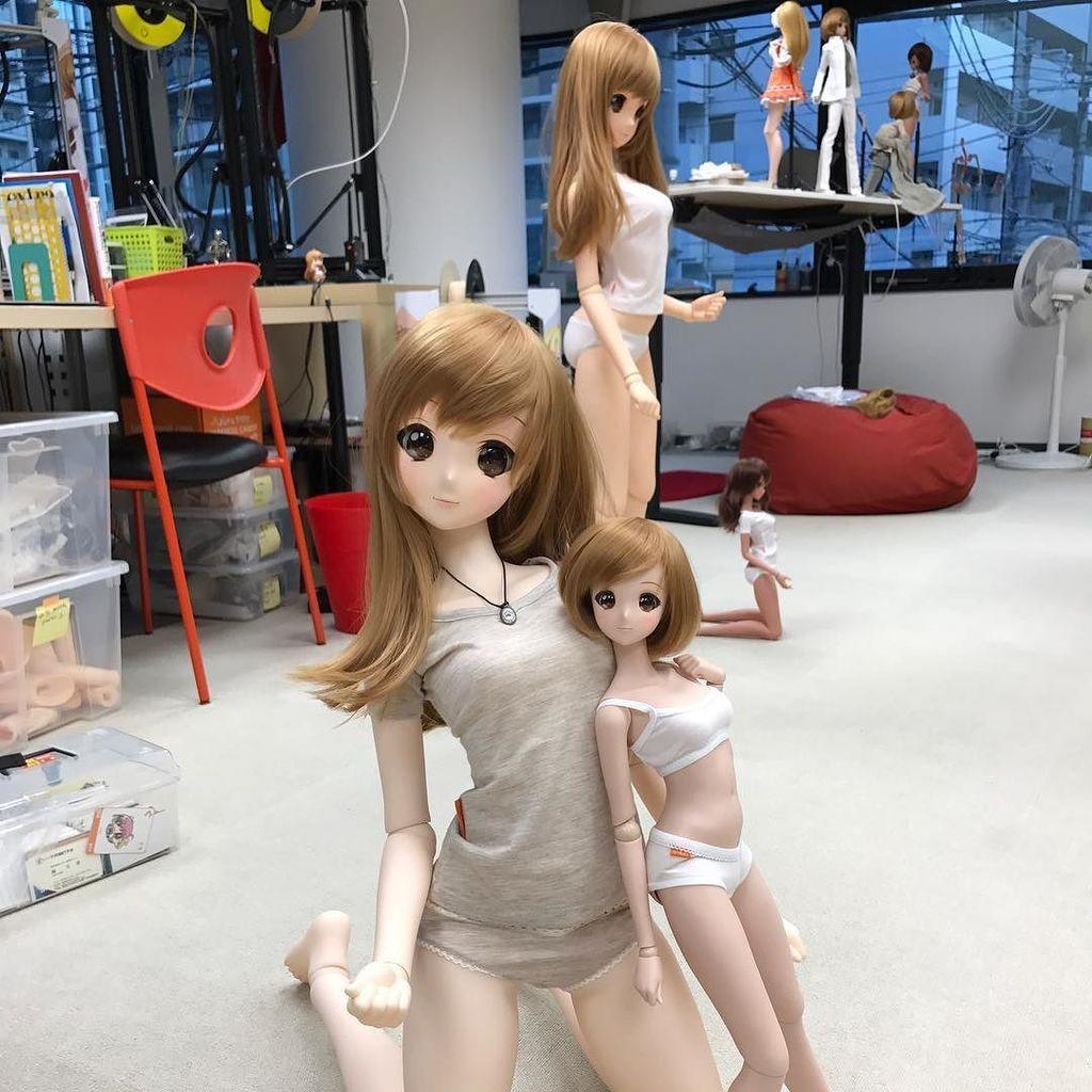 I bet this photo is confusing. Mirai Mannequin in da werks.