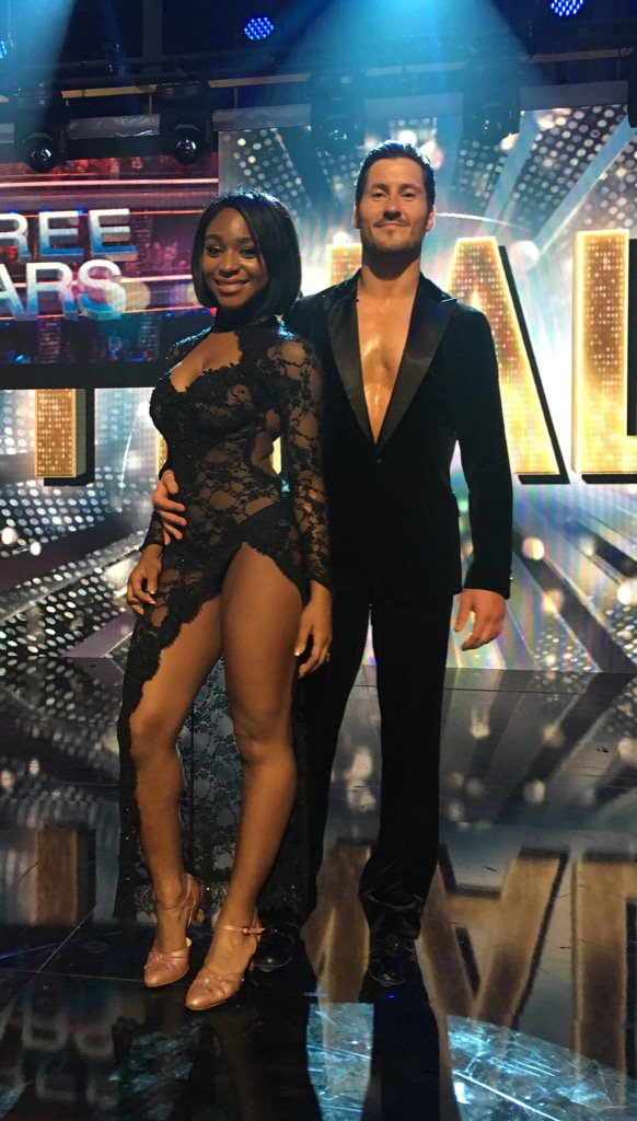 Final dress rehearsal pic with @NormaniKordei & @iamValC before tonight's big #DWTS finale.