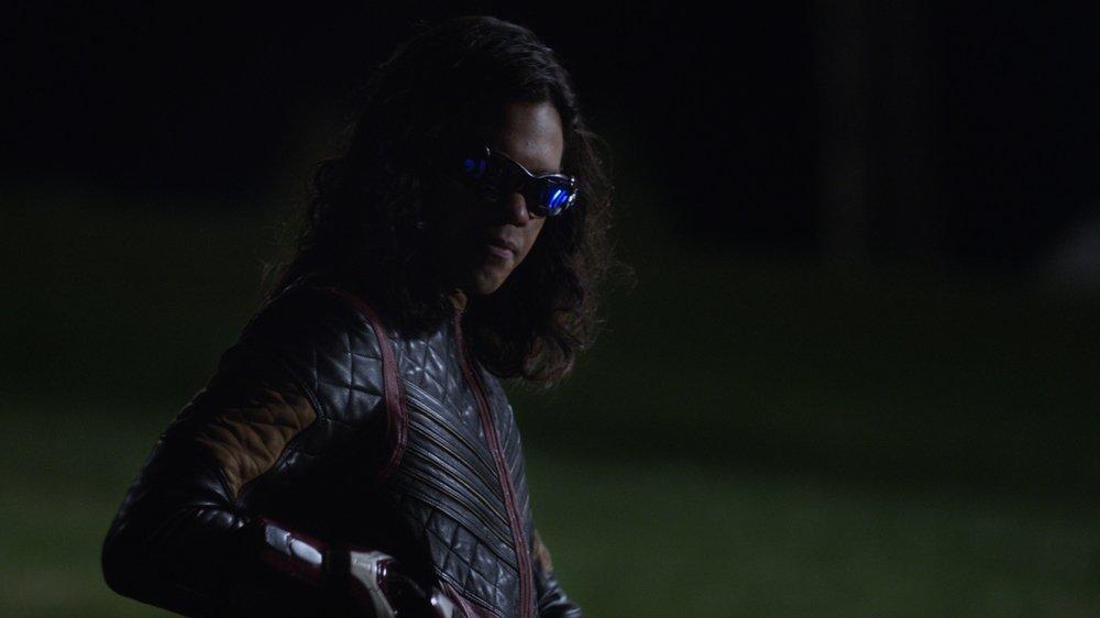 TheFlash season finale exclusive clip: Savitar holds Cisco hostage