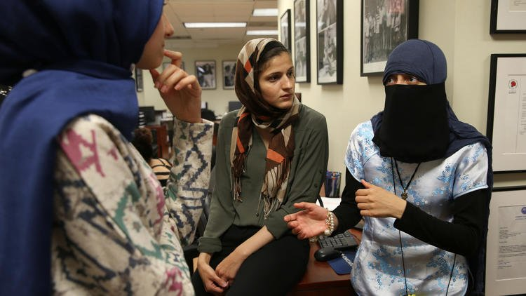Judge: Muslim who says she was mistaken for terrorist can proceed with lawsuit