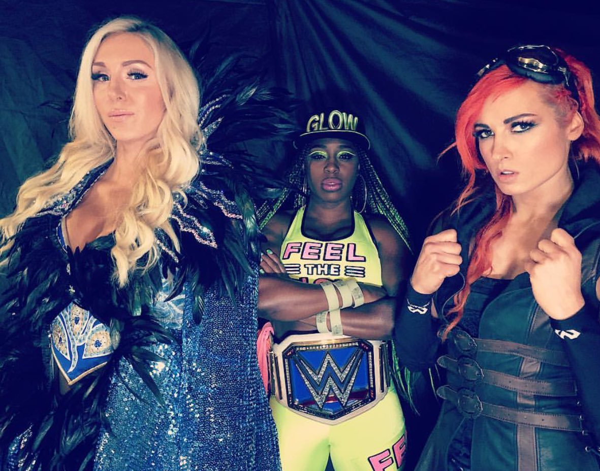 Who Lit??? WE Lit!!!! #Queens #SDLive @BeckyLynchWWE @NaomiWWE doing it with Flair 👸🏼
