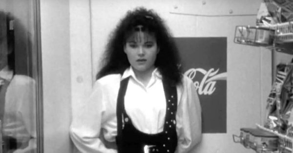 Lisa Spoonauer of Clerks has passed away at the age of 44: