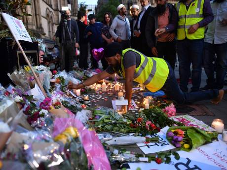 'I saw a little girl... she had no legs': Manchester attack horror recounted