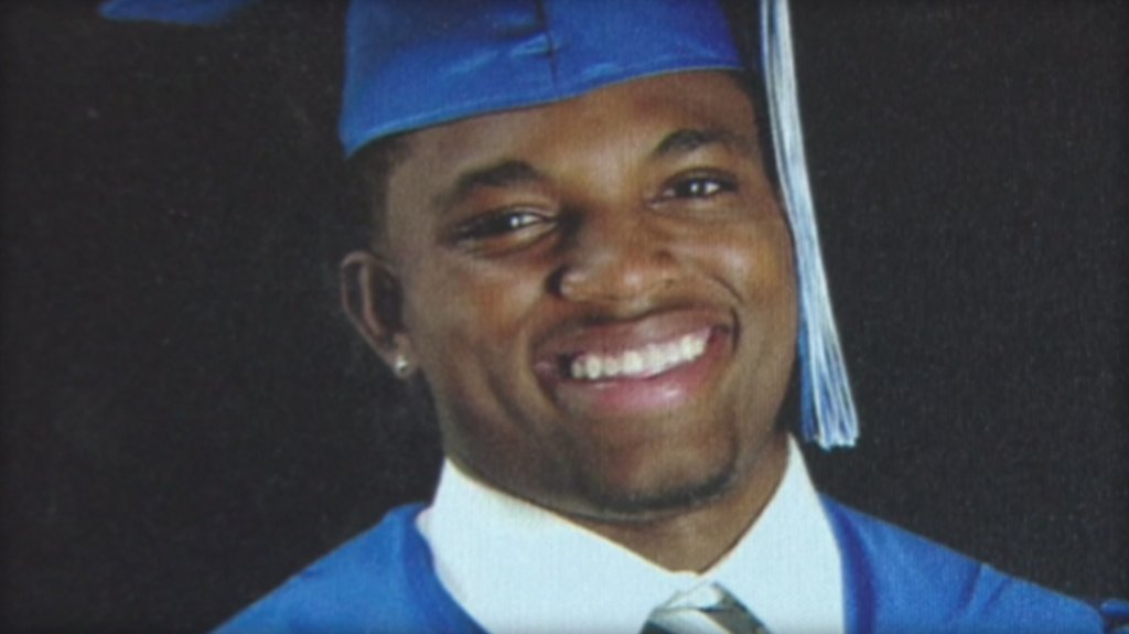 Texas city to pay $850,000 to family of football player fatally shot by rookie officer: