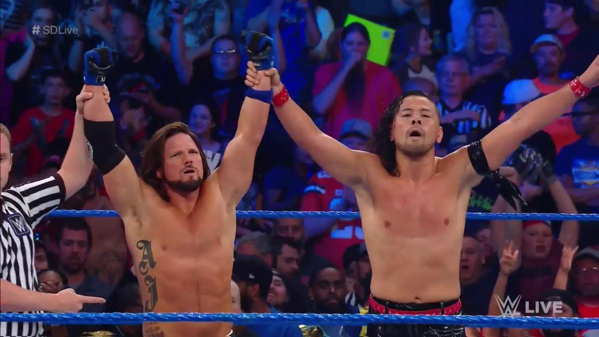 These two make a pretty good team... @ShinsukeN @AJStylesOrg #SDLive