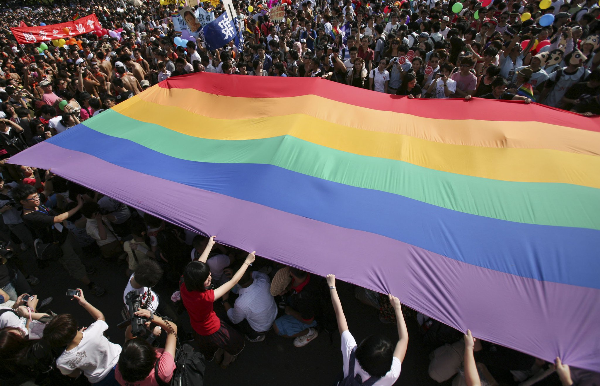 #BREAKING—Taiwan's top court rules same-sex marriage ban is unconstitutional. ��️������ https://t.co/4s5DmGqp1C