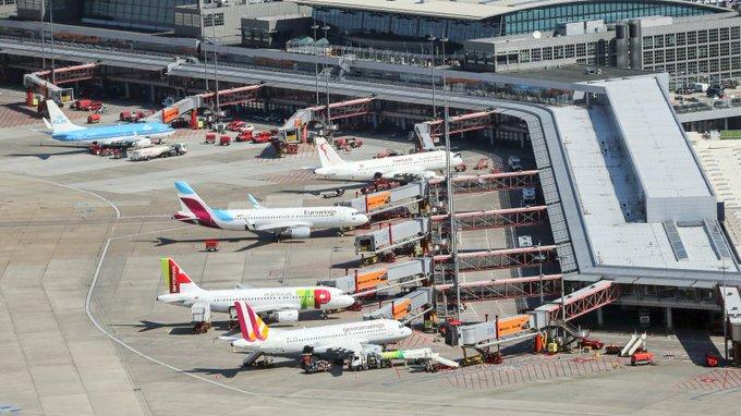 Airport Helmut Schmidt: Hamburger Flughafen bekommt 27 neue Gates https://t.co/lEJW5XDgbb #Hamburg https://t.co/5KcLc87T6b